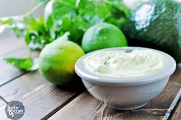 Avocado Cilantro Lime Mayo [Recipe]   KETOGASM Only 4 ingredients! #keto #lchf #lowcarb #atkins #paleo #whole30 #condiments #mayonnaise #mayo keto recipes