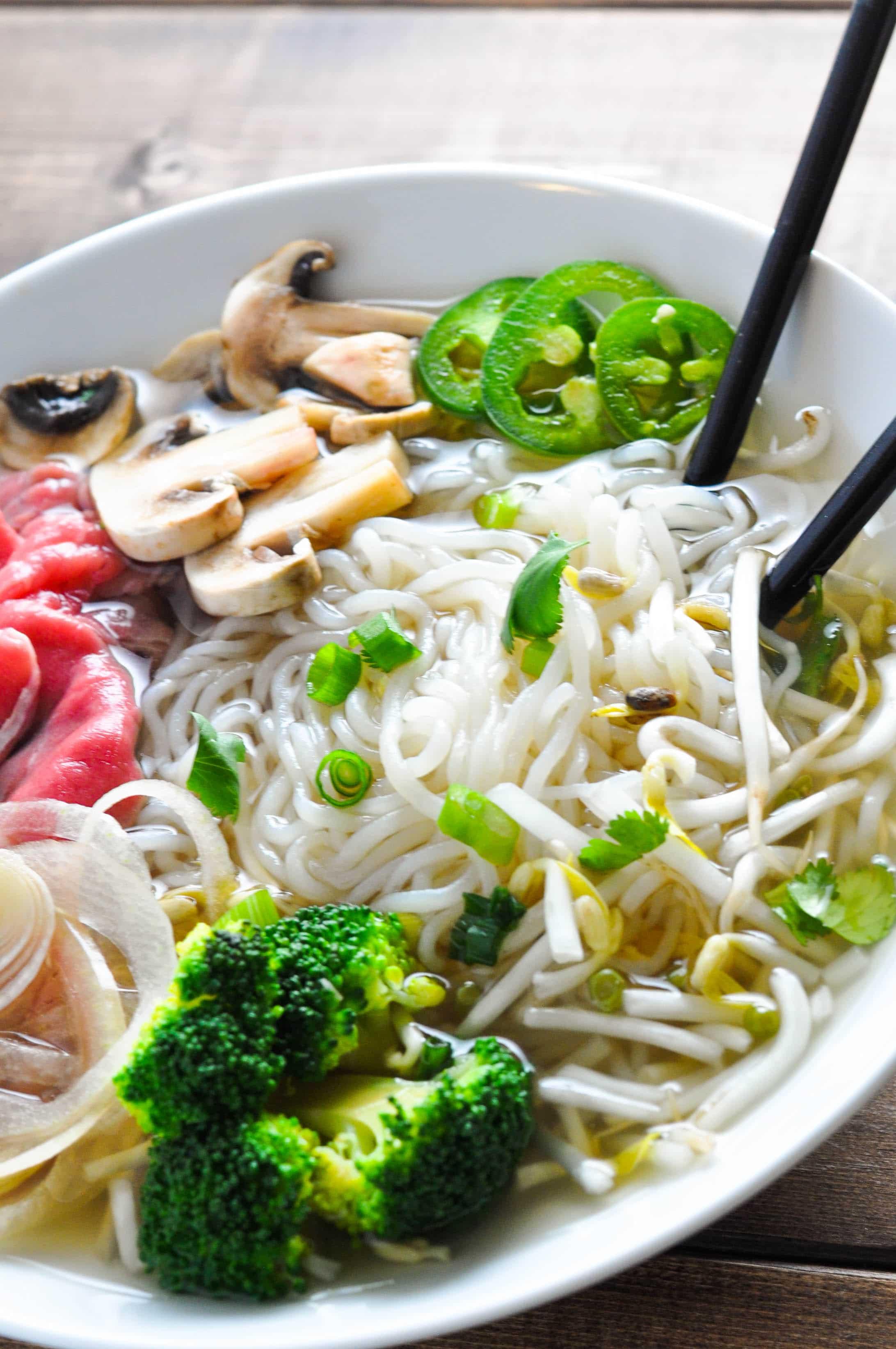 Low Carb Pho – Vietnamese Beef Noodle Soup [Recipe]