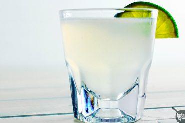 Kamikaze Shot: Low Carb & Sugar Free [Recipe] | Ketogasm.com #keto #low #carb #skinny #cocktail #healthy #sugar #free #atkins keto recipes