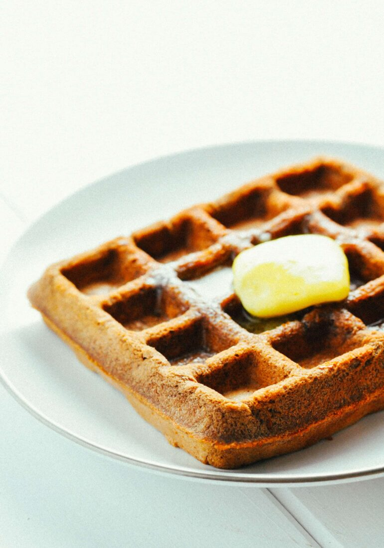 Chocolate Protein Waffles [Recipe] | KETOGASM #keto #ketogenic #recipes #protein #powder #low carb #breakfast #waffle #chocolate #atkins #healthy