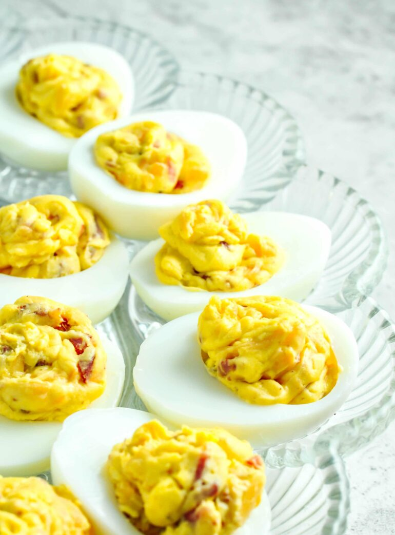 Bacon Cheddar Deviled Eggs #keto #ketogenicdiet #lowcarb #lchf
