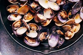 Keto Steamed Clams Recipe - Basil Garlic Butter Sauce