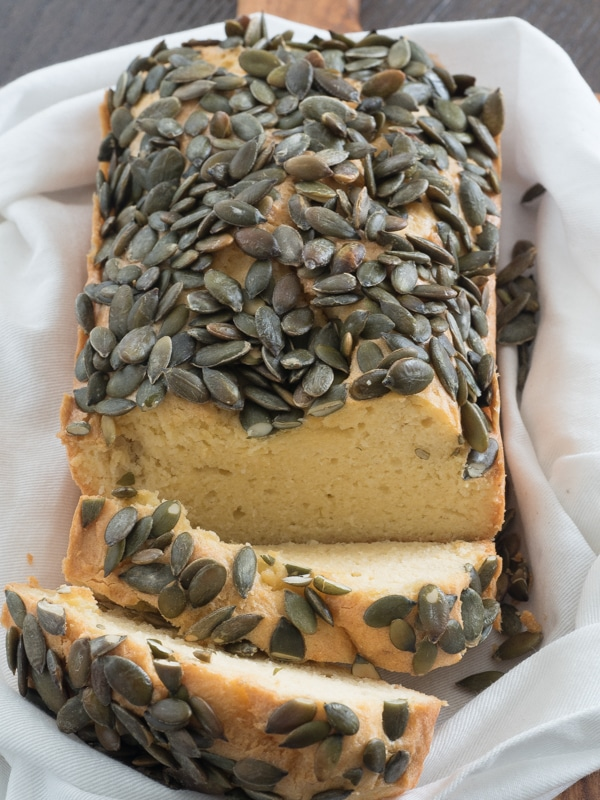 Easy keto bread - The best keto bread recipe! And it has pumpkin seeds!
